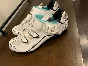 Great Condition! Women's Bontrager Cycle Shoes -- Size 40