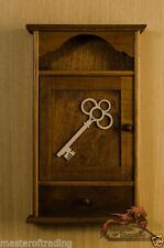 Soluciones de almacenamiento de cocina de madera para el hogar de color principal marrón