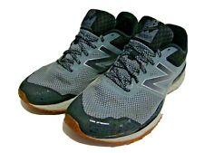New Balance Para hombre Gris Plomo/Negro Trail Running Cush + Zapatos 9.5 MT620LG2