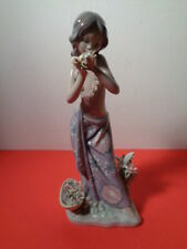 """New ListingLladro """"Aroma Of The Islands"""" # 1480 Figurine Made in Spain (9 by 4 by 2.5"""")"""