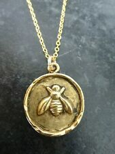 Solid  eighteen  Inch 10 K Yellow Gold Chain with Bee Disc Pendant Necklace AAA+