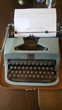 Underwood Golden Touch Portable Typewriter with Case, Working-