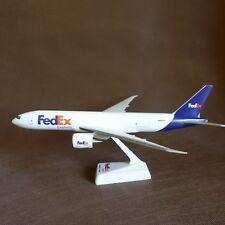 1/200 FedEx Boeing B777-200F Cargo Airplane Desktop Model