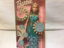 Barbie ongles fantaisie de l'année 2001.