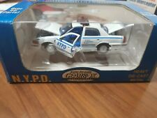 Gearbox 1:43 NYPD 1999 Ford Crown Victoria Police Interceptor New York Police