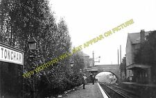 Tongham Railway Station Photo. Ash Green - Farnham. Guildford to Alton Line. (3)