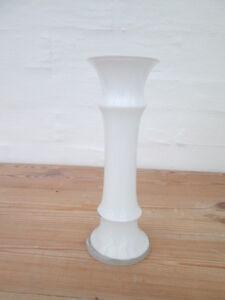 Tolle Vase von Holmegaard gestaltet von Michael Bang 1981 Glasvase weiß 17 cm