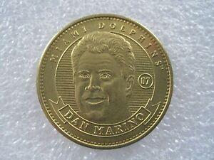 1998 Pinnacle Mint Dan Marino Miami Dolphins Football Brass Token Medal 0322