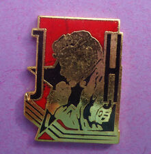 Pin's pin JOHNNY HALLYDAY AU MICRO (ref 005)