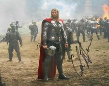 CHRIS HEMSWORTH  * THOR ON BATTLEFIELD *   HAND SIGNED   8 X 10