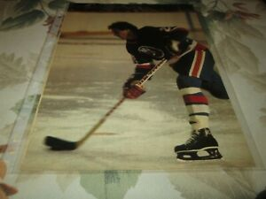 MIKE BOSSY   POSTER 8 BY 11 NEW-YORK ISLANDERS ON REVUE DU COLLEGE