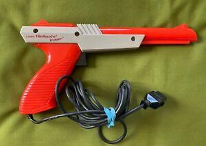 NICE TESTED ORANGE NINTENDO NES ZAPPER GUN NES-005 LIGHT