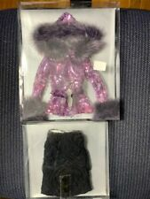 Tonner separate - Fuchsia sequenced jacket with black lacy skirt