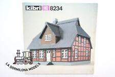 KIBRI 8234 H0 COSTRUZIONE / CASA Villaggio con tetto paglia (GIUNGLA NERA)