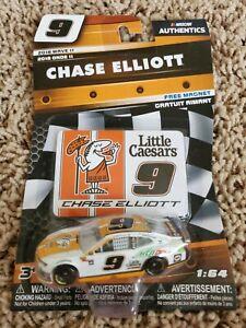 Chase Elliott 2018 NASCAR Authentics 1/64 Diecast - Wave 11 Little Caesars