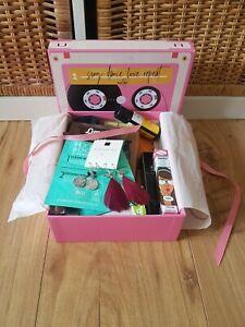 Neu! XXL Beautybox 14 - teilig (Glossy, Lookfantastic, Trendraider),Wert ca 155€