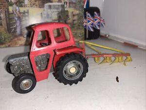 BRITAINS FARM TOYS VINTAGE MASSEY FERGUSON 135 TRACTOR & CAB Spares And Repair