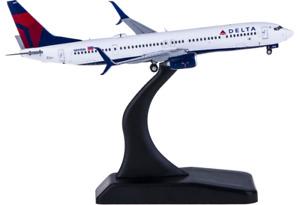 1:400 GeminiJets DELTA BOEING 737-900 Passenger Airplane Diecast Aircraft Model
