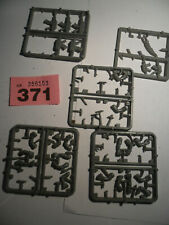 Warhammer 40k Ork Rogue Trader plastic arms and gun sprues rare R371