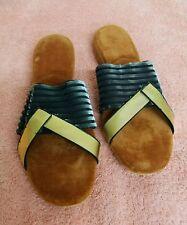 775d3796b766 1950s 1960s Gold   Black Slippers Size 5 Unusual wierd strange