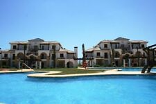 2 Bedrooms Private Overseas Properties with Fitted Kitchen