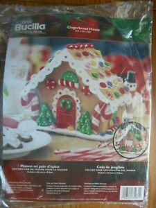 Bucilla Felt Applique Kit Christmas GINGERBREAD HOUSE Candy 85261