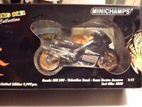 MINICHAMPS 1/12 HONDA NSR 500 V. ROSSI TEAM NASTRO AZZURRO TEST BIKE 2000