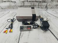 Nintendo Entertainment System NES Console with Controler and Leads. Read descrip