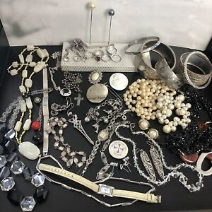 Vintage Retro Wear Repair Craft Mixed Costume Jewellery Curios Bundle Job Lot