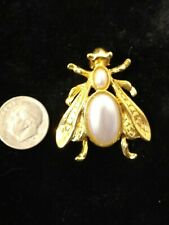 insect bee wasp brooch pin Gold tone Faux Pearl winged