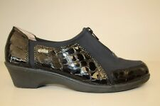 Softspots Womens Shoes Sz 6.5 M Black with Croc Print Patent Leather Trim Loafer