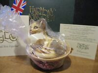 Harmony Kingdom Chapeau Cat in Straw Hat UK Made Box Figurine Factory Bagged