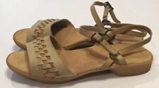 Vtg Famolare Suede Leather Sandals Shoes Womens Sz 8.5 M Wavy Woven Dance There
