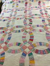 WOW VINTAGE HANDMADE  DOUBLE WEDDING RING QUILT 10 SPI HAND QUILTING