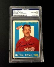 GORDIE HOWE SIGNED 1959 TOPPS DETROIT RED WINGS CARD #63 PSA/DNA