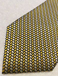 Brand New Super Stylish Tie By JOS A BANK (Signature Collection)