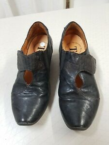 Think! Italy Black Shoes 36