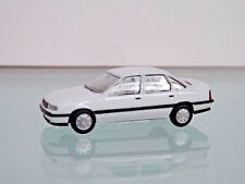 Herpa 028967 OPEL VECTRA a White H-edition HO 1 87