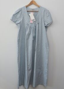 """David Nieper nightdress size Small 48"""" Style 482 Wedgewood pale blue floral"""