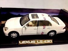 2002 Lexus LS 430 Collectibles 1:18 Scale Diecast MotorMax Toys, White