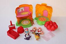 VINTAGE STRAWBERRY SHORTCAKE MINIATURE PLASTSIC DOLL & HOUSE LOT