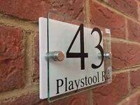 MODERN HOUSE SIGN PLAQUE DOOR NUMBER STREET GLASS EFFECT ACRYLIC GLOSS WHITE