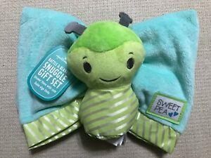 Hallmark Rattle & Blankie Snuggle Gift Set Green & Blue Bug (C11)