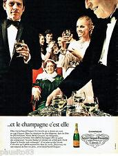 PUBLICITE ADVERTISING 096  1971  le champagne Veuve-Cliquot Ponsardin