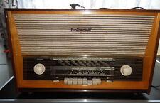 Altes Röhrenradio mit Plattenspieler, FUNKBERATER W 61/3D-F Phono (DDR)