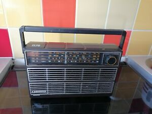 Vintage PYE 1570 portable  Radio