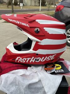 Bell Moto-9 MIPS Helmet Fasthouse Matte/Gloss White/Red SIZE LARGE - never used