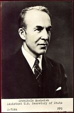 photo d' Archibald Macleish assistant US secretary of State
