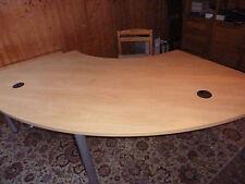Schreibtisch von König und Neurath Halbrund
