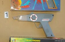 SCIENCE FICTION 80's VINTAGE ELECTRONIC TOY GUNS, NEW- $2...